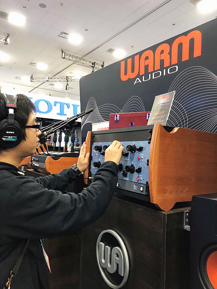 2018NAMM Show – WARM AUDIOのブースへ!
